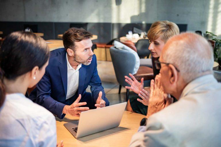 Jak dávat ve firmě zpětnou vazbu? Účinné tipy, které Vám pomohou!